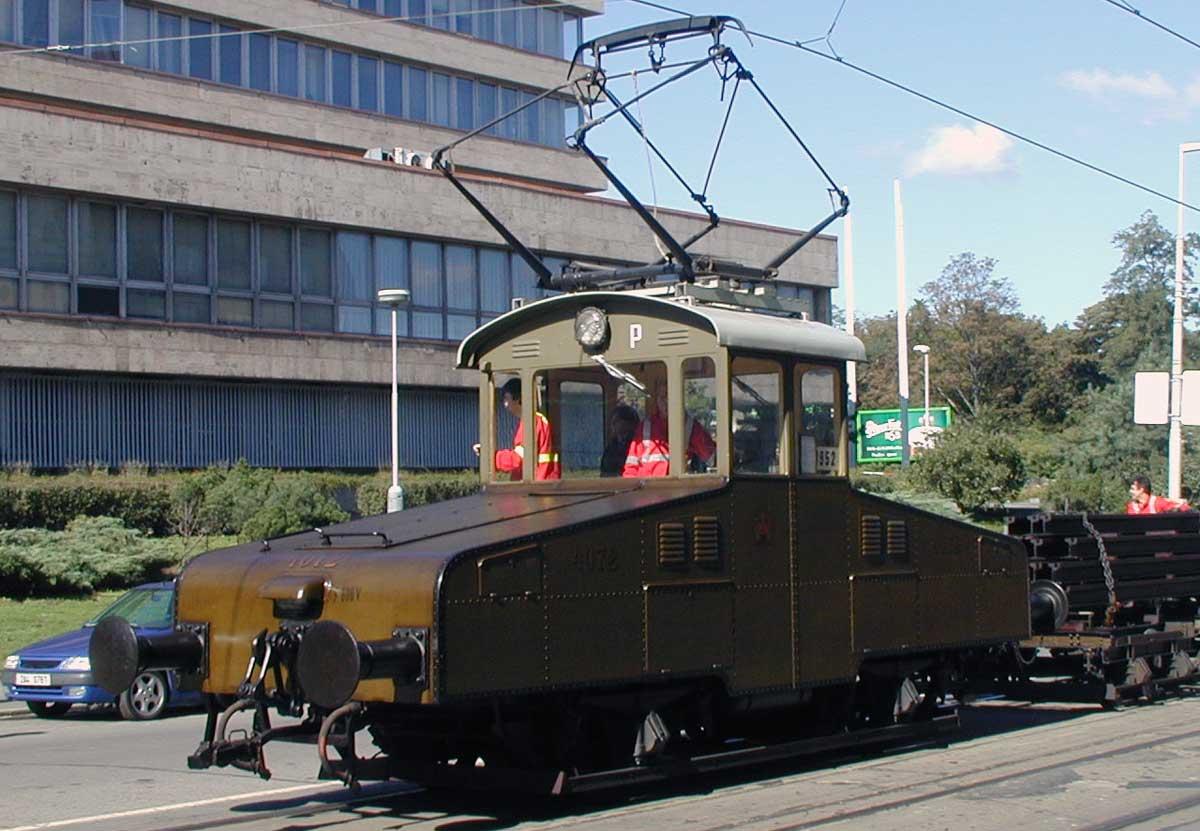 Posunovací tramvajová lokomotiva